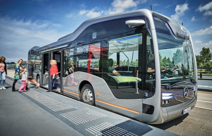 CityPilot makes bus essentially autonomous, but driver remains in charge and can always take control of the bus. Image credit: media.daimler.com.