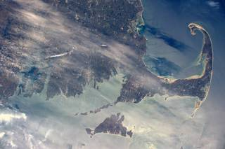 During the week when America celebrated Independence Day, NASA astronaut Jeff Williams captured this image of the distinctive coastline of Massachusetts and Rhode Island from the International Space Station. He posted it to his Twitter account -- @Astro_Jeff -- along with flyover images of the rest of the original 13 colonies that made up the United States. Credits: NASA/Jeff Williams