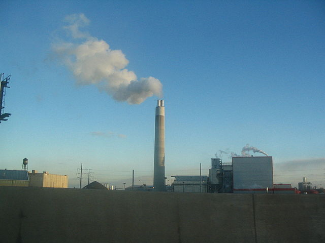 CO2 capturing should help countries meet strict CO2 emission reduction targets. Image credit: Gyre via Wikimedia, CC BY-SA 3.0