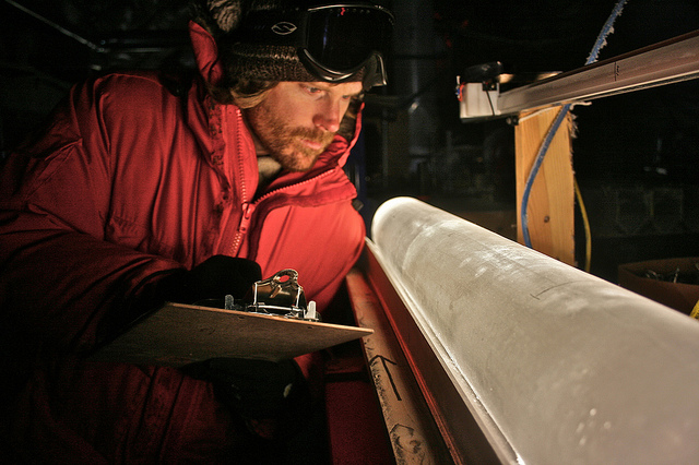 Ice cores contain chemical fingerprints that help scientists determine the climate conditions hundreds and even thousands of years in the past. Image credit: Oregon State University via flickr.com, CC BY-SA 2.0.