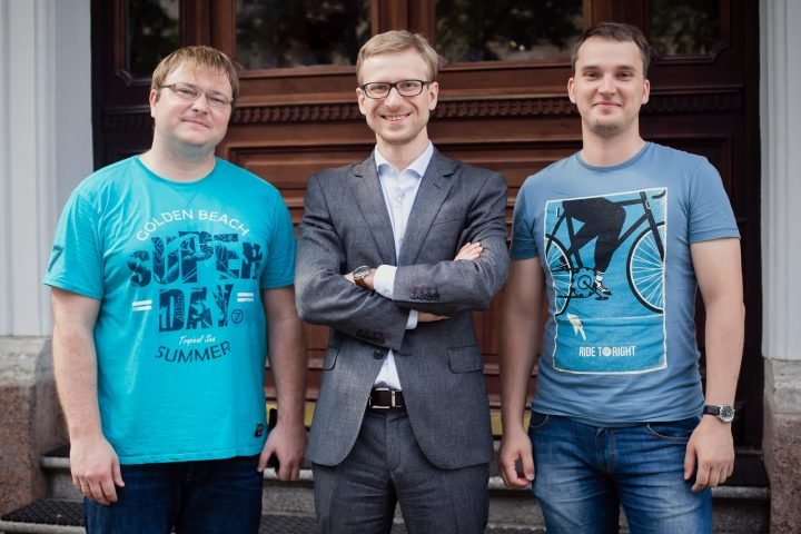 From left to right, Alexander Krasnok, Denis Baranov, Sergey Makarov - a cooperative team of young scientists from ITMO University and Moscow Institution of Physics and Technology.