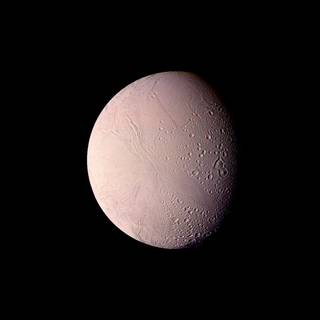 Voyager 2 saw hints that Enceladus might be active, but the icy moon held onto its secrets until the arrival of the Cassini mission. Credits: NASA/JPL-Caltech