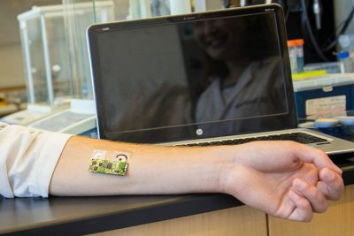 Flexible wearable sensor for detecting alcohol level can be worn on the arm. Credit: UC San Diego