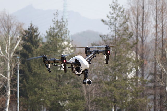 Drones are fun to fly, but can also be used in extremely practical applications. Image credit:  최광모 via Wikimedia, CC BY-SA 4.0