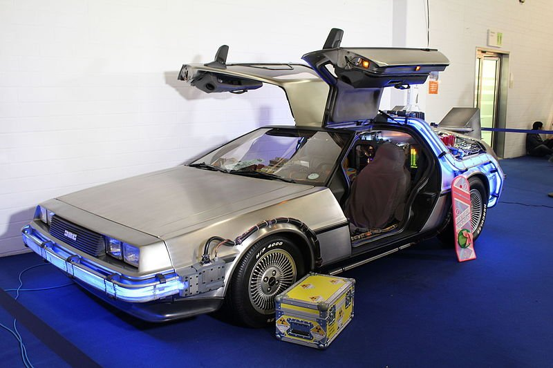 De Lorean DMC-12 in Back from the Future, along with Hoverboard and Plutonium transport box.