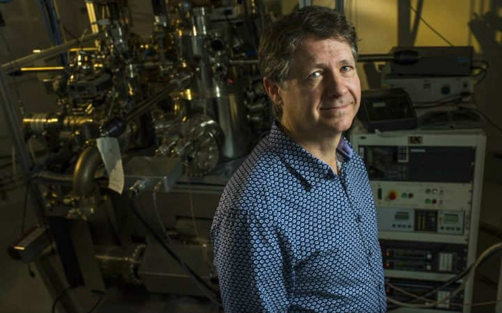 U of A physicist Robert Wolkow and his team have developed an atomic electronic simulator—a breakthrough that helps unlock the full potential of machine learning and neural networks. (Photo: John Ulan / University of Alberta)