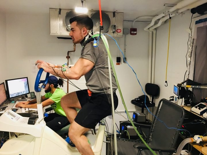 Study participants cycled at low intensity on a stationary bicycle for one hour. They were asked to thermally behave any time their neck felt uncomfortably warm.