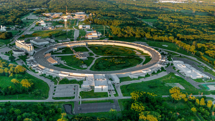 Under this agreement, Argonne and collaborators will use the bright x-ray beams at the laboratory's Advanced Photon Source to investigate the further potential of lead batteries. (Image by Argonne National Laboratory.)