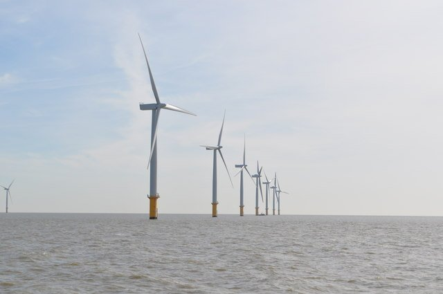 Gunfleet Sands offshore wind farm 172MW wind farm 7 km off the Clacton-on-Sea and Holland Essex coast in the Northern Thames Estuary. Image credit: Ashley Dace via geograph.org.uk, CC BY-SA 2.0