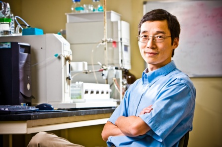 Qing Lin, UB professor of chemistry, has long had an interest in applying his expertise in chemistry to problems in biology. Credit: Douglas Levere / University at Buffalo