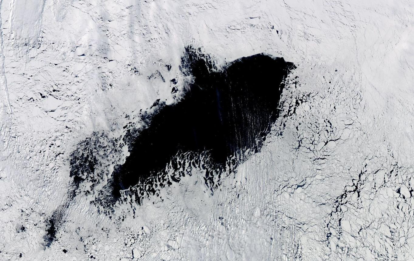 The hole in the sea ice as seen by NASA satellite imagery on September 25, 2017. Image credit: NASA