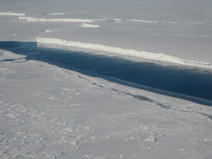 This photo shows the ice front of Venable Ice Shelf, West Antarctica, in October 2008. Image credit: NASA/JPL-Caltech/UC Irvine