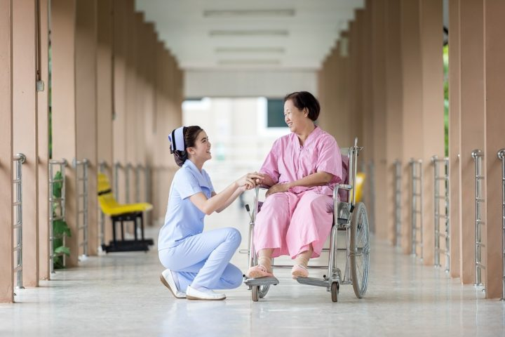 Patient care. Image credit: Max Pixel, CC0 Public Domain