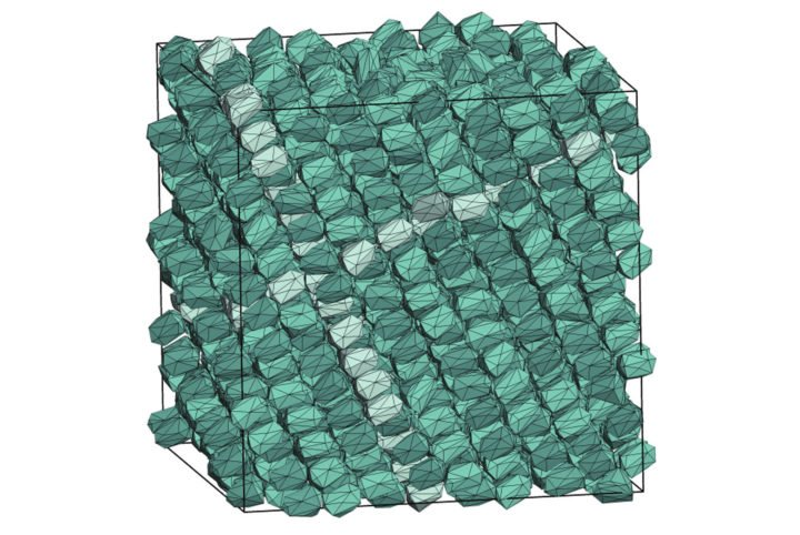 """Inside the boundaries of the simulation, a particle shape designed by a computer program creates a new kind of crystal—a variation on what is known as """"hexagonal close packed."""" Image credit: Glotzer Group, Michigan Engineering"""