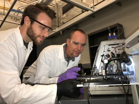 Tyler Lambeth (left) and Ryan Julian in the lab. (UCR/Julian lab)