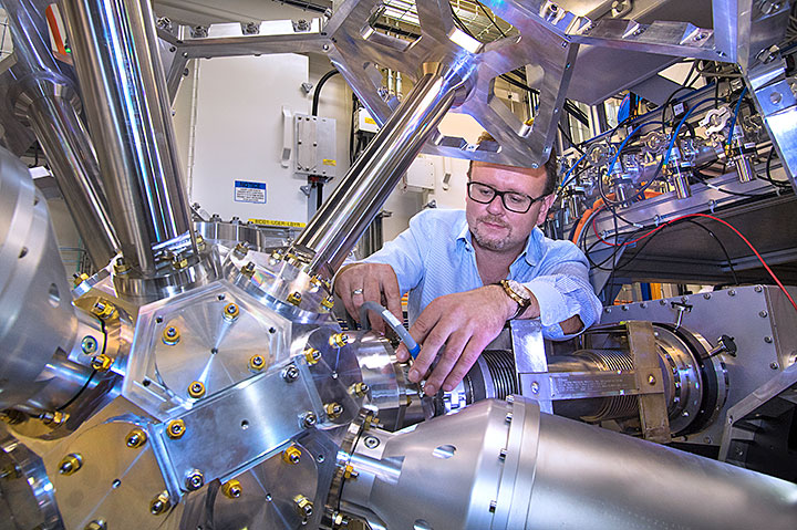 Eli Stavitski, lead scientist at the Inner Shell Spectroscopy (ISS) beamline at Brookhaven National Laboratory's National Synchrotron Light Source II, used the powerful tool to probe bismuth's oxidation states, part of the process developed at Rice University to recycle carbon dioxide to produce pure liquid fuel solutions using electricity. (Credit: Brookhaven National Laboratory)