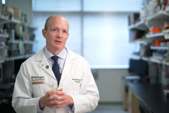 Randall J. Bateman, MD, of Washington University School of Medicine in St. Louis, led an international trial evaluating whether investigational drugs could slow memory loss and cognitive decline in a rare, inherited form of Alzheimer's disease. The trial was conducted at 24 sites in Australia, Canada, France, Spain, the United Kingdom and the United States. (Photo: Huy Mach/Washington University)